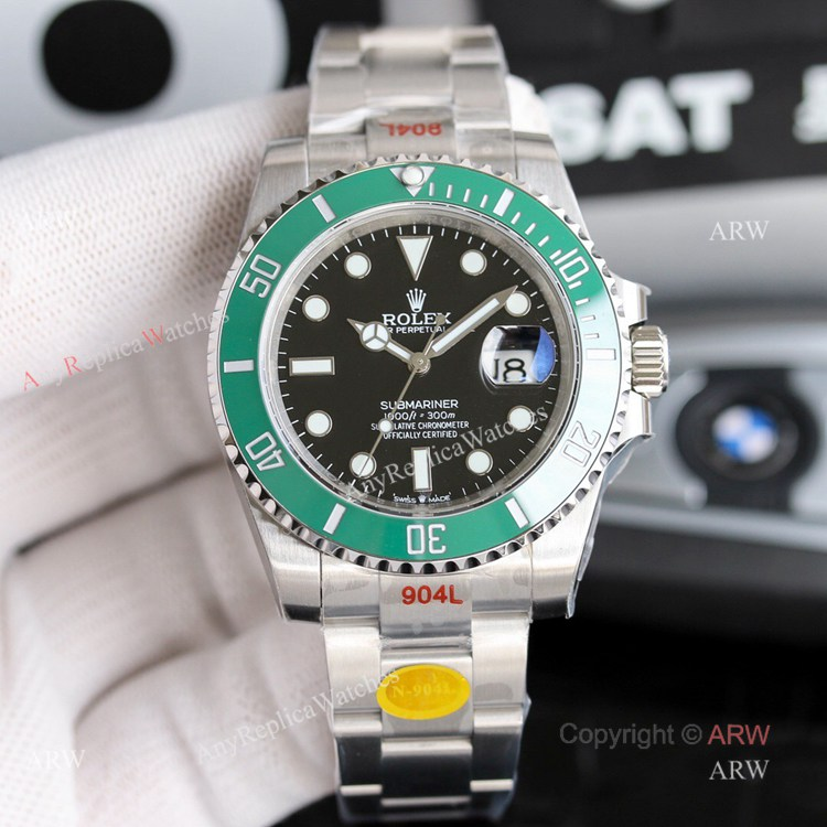 New Noob Replica Rolex Submariner 41mm Green Bezel Replica Watch Oyster Bracelet (1)