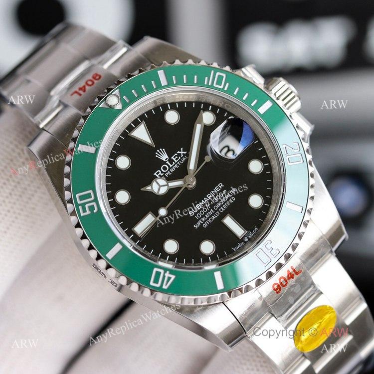 New Noob Replica Rolex Submariner 41mm Green Bezel Replica Watch Oyster Bracelet (2)