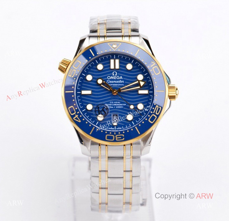 VS Factory Omega Seamaster Diver 300m Blue Dial Gold And Silver Watch Best Replica (1)